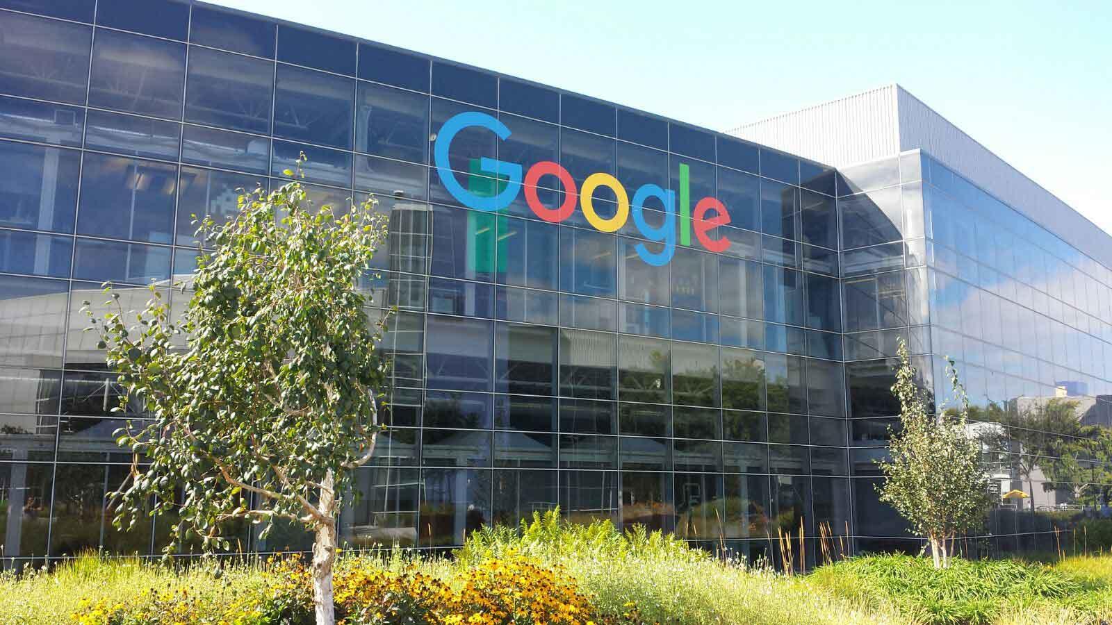 Google y Facebook apuestan por el Zumo de Naranja natural.
