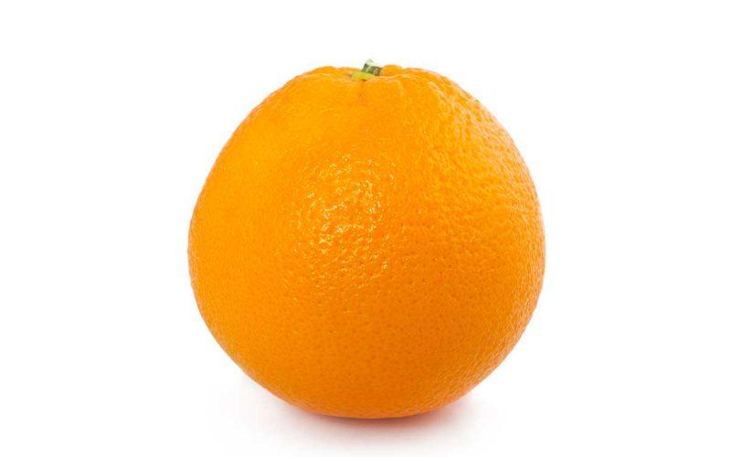 Naranjas, cómo pelarlas con cuchara